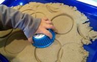 Aktiviti main pasir untuk ransang minda anak