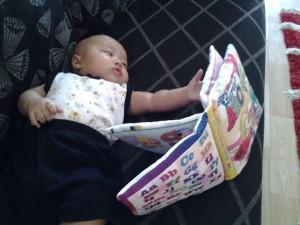 ransang bayi membaca