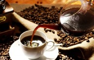 Adakah ibu minum kopi, selamat pada bayi menyusu?